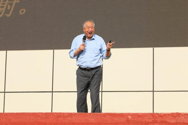中国科学院空间中心研究员张厚英教授来我校作航天知识专题报告